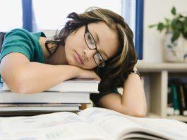 Jak urządzić miejsce do nauki dla studenta?